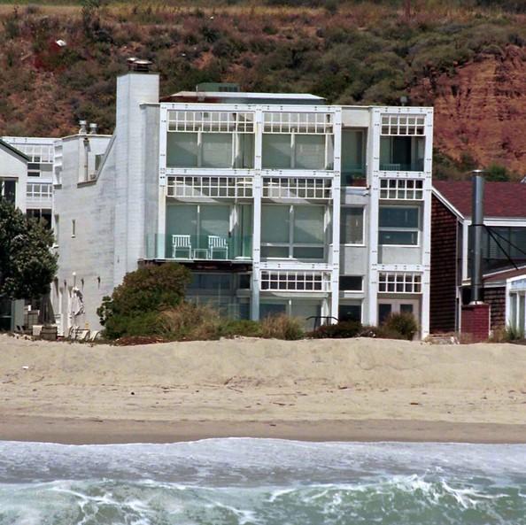 Dustin Hoffman Malibu house
