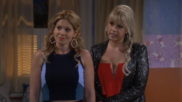 "Jodie Sweetin and Candace Cameron Bure in ""Fuller House"""