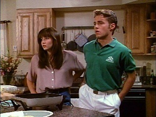 Jason Priestley and Shannen Doherty in Beverly Hills