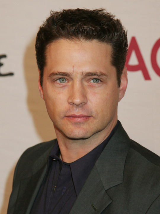 How rich is Jason Priestley?