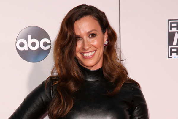 How rich is Alanis Morissette?