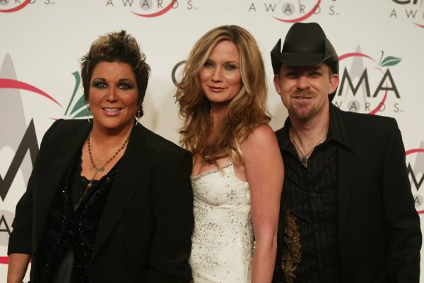 Jennifer Nettles in Sugarland