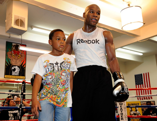 Floyd Mayweather workouts with his son Zion