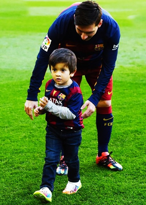 Thiago Messi with his father Lionel