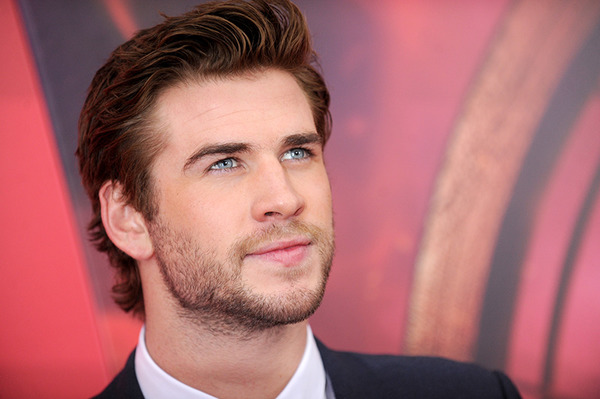Liam Hemsworth leaves thousands of dollars in restaurants