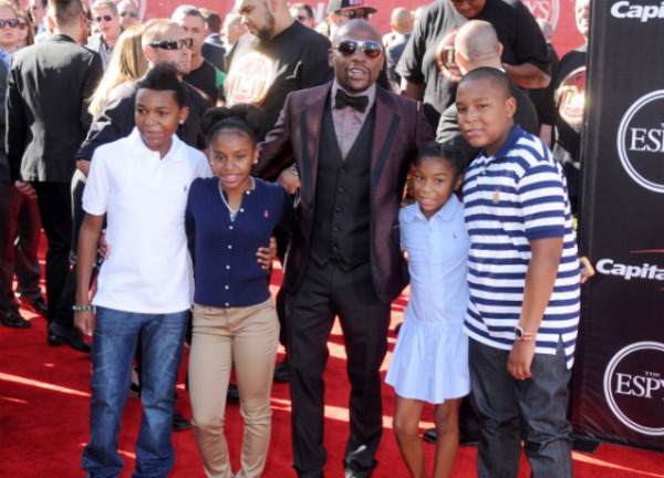 Floyd Mayweather kids: the main father's love and source of expenses