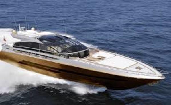 Jessica Simpson gave Tony Romo a speedboat