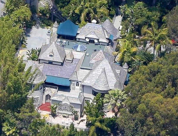 Amber Heard lived in Depp's LA mansion