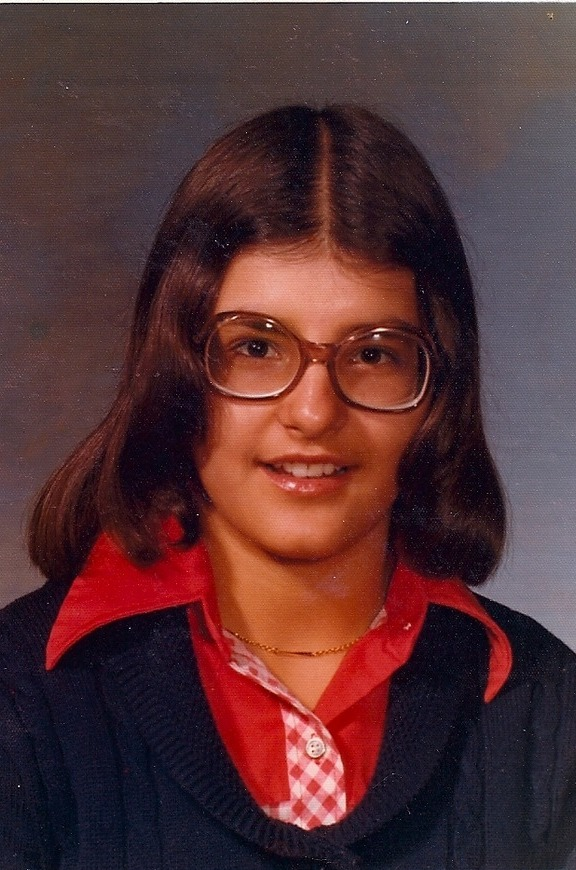 Nia Vardalos young