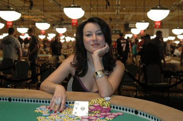 Poker lover Jennifer Tilly