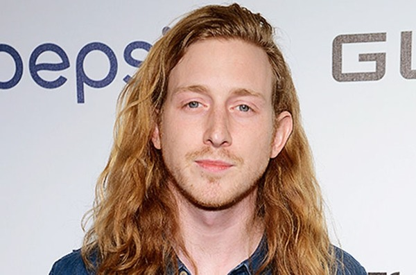 How rich is Asher Roth?