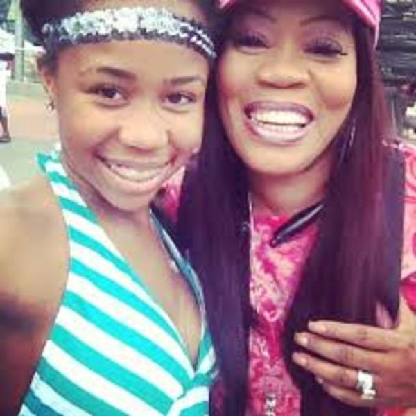 Deelishis and her eldest daughter Jasmine