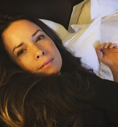 Holly Marie Combs biography