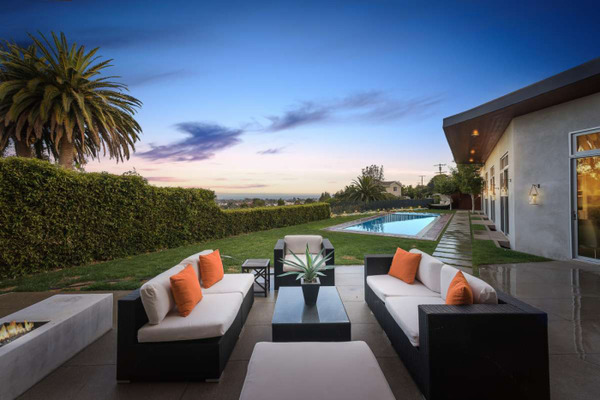 Eugenio Derbez Pacific Palisades house