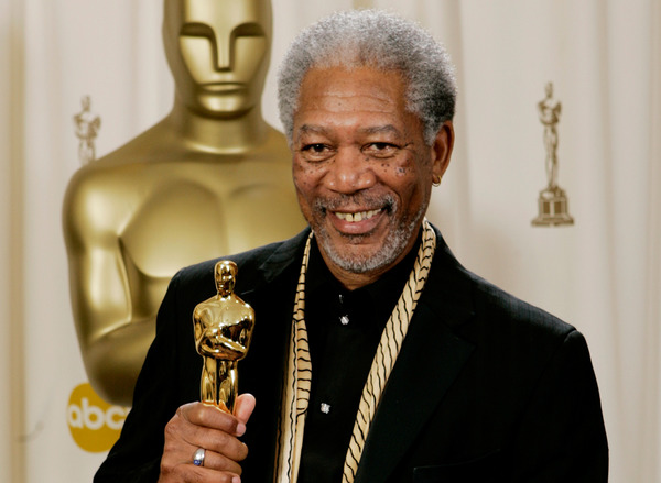 Morgan Freeman gets his deserved Oscar