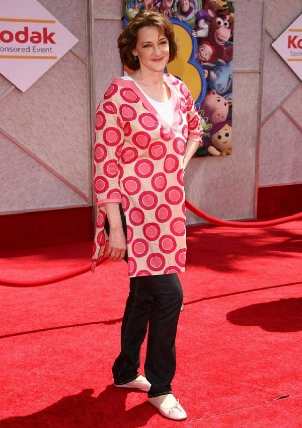 How much is Joan Cusack worth?