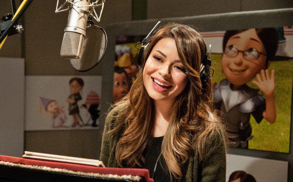 Miranda Cosgrove voices Margo in Despicable Me