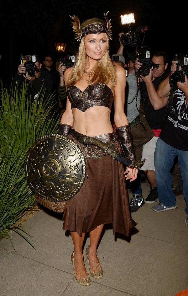 Top 12 Celebs Halloween Costumes - Paris Hilton