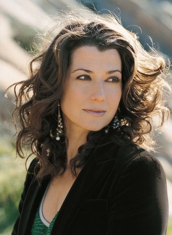 How rich is Amy Grant?