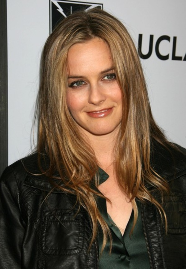 How rich is Alicia Silverstone?