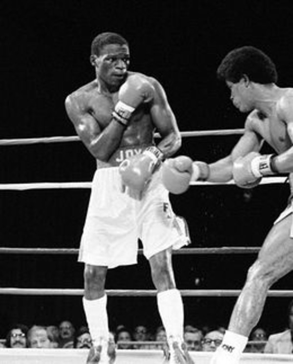 Floyd Mayweather Sr and Jose Baret on the ring in 1983