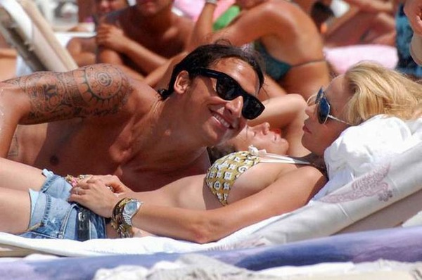 Zlatan Ibrahimovic looks with admiration at his wife Helena Seger