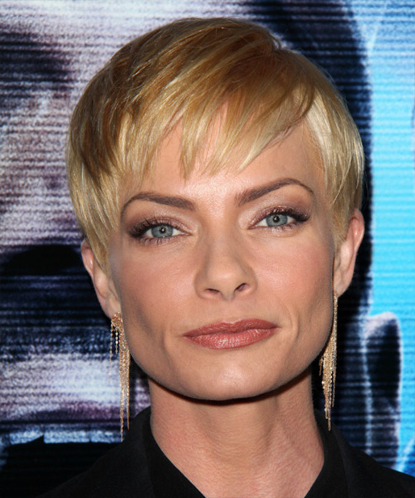 How rich is Jaime Pressly?
