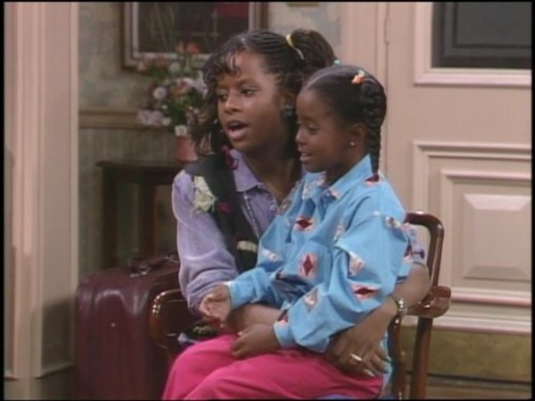 Tempestt Bledsoe and Keshia Knight Pulliam in The Cosby Show