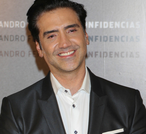 How rich is Alejandro Fernández?