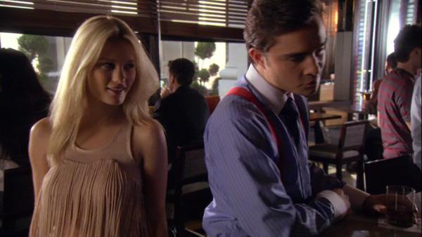 Ashley Hinshaw and Ed Westwick in Gossip Girl