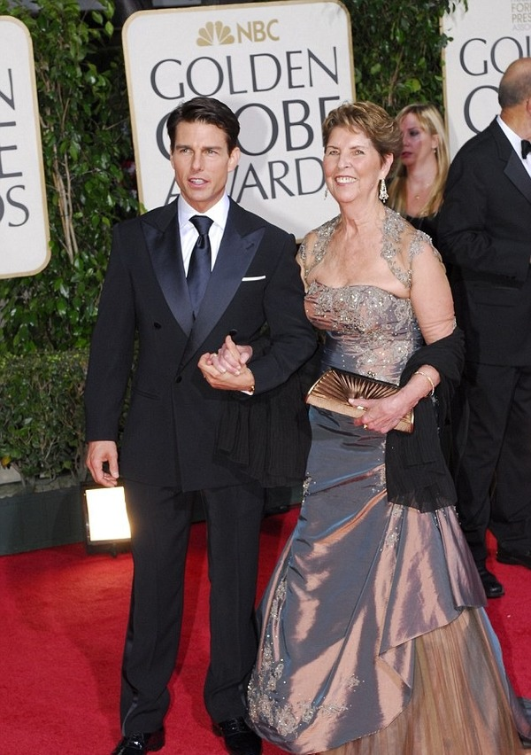 Mary Lee Pfeiffer and her son Tom Cruise