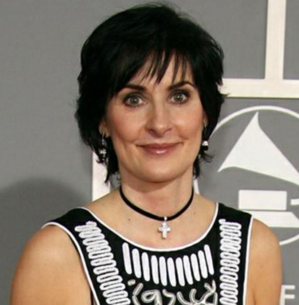 How rich is Enya?
