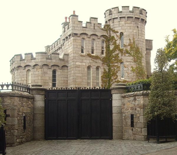 Enya Manderley Castle