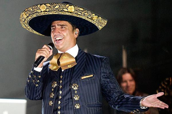 Alejandro Fernández way on top