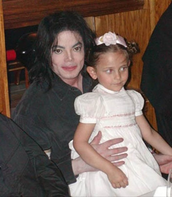 Michael Jackson with his daughter Paris