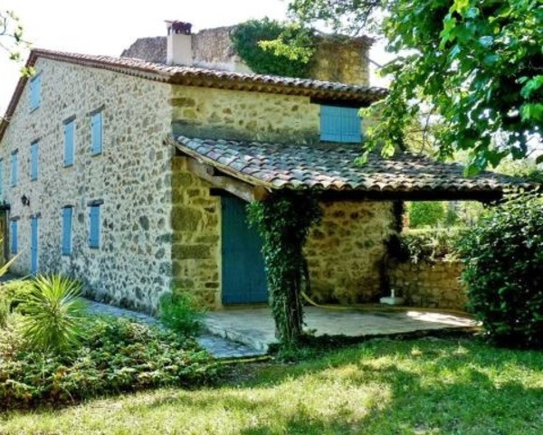 Helen Mirren French house