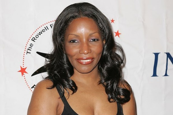 How rich is Stephanie Mills?