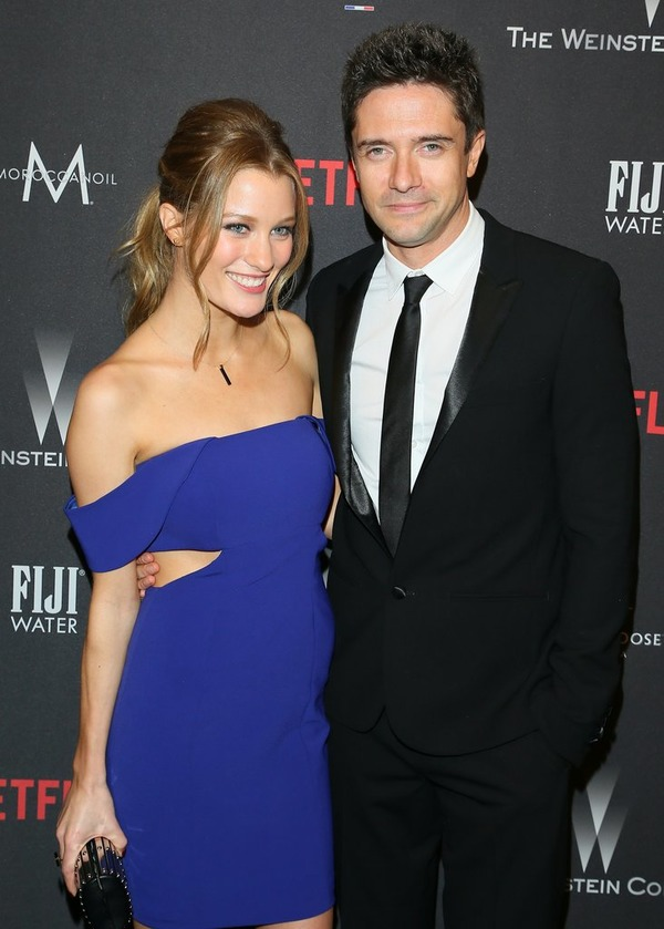 Ashley Hinshaw and her husband actor Topher Grace