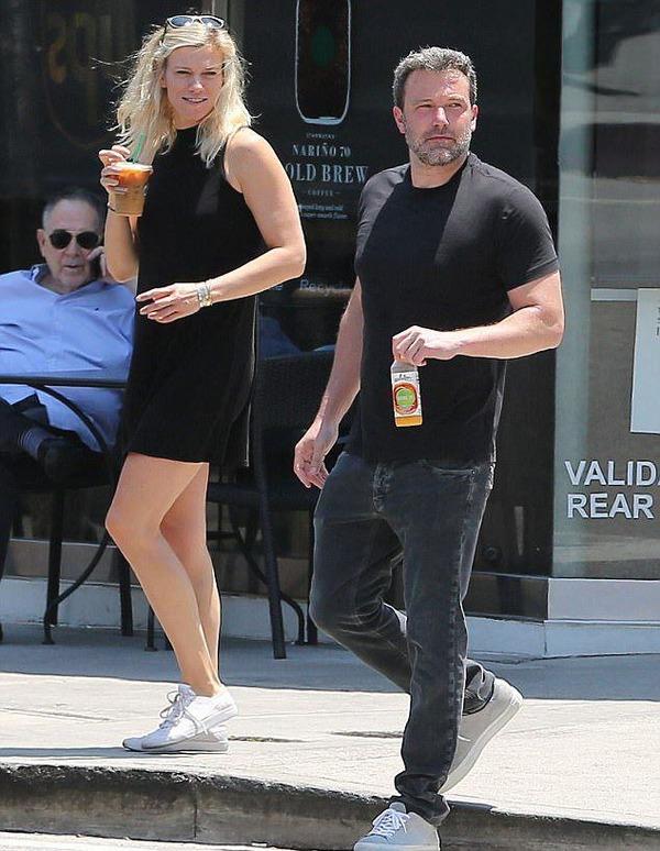 Ben Affleck and his new girlfriend Lindsey Shukus