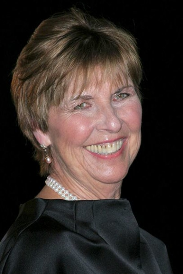Tom Cruise mother Mary Lee Pfeiffer