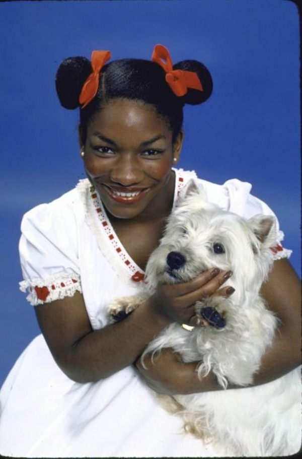 Stephanie Mills as Dorothy