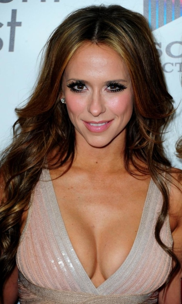 What is Jennifer Love Hewitt famous for?