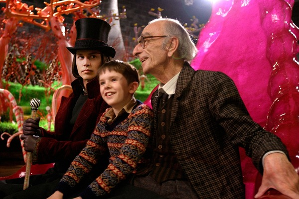 Johnny Depp (Willy Wonka), Freddie Highmore, and David Kelly in Charlie and the Chocolate Factory