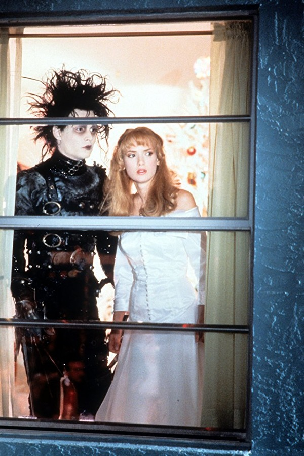 Johnny Depp and Winona Ryder in Edward Scissorhands