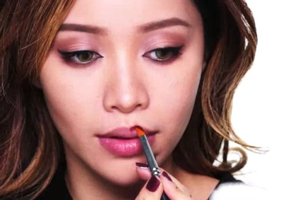 Michelle Phan helped others to look beautiful