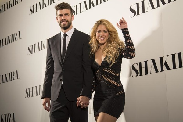 Shakira husband Gerard Piqué with his wife