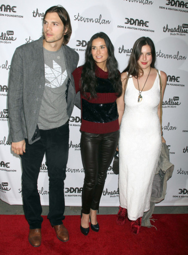 Scout Willis with her mother Demi Moore and ex-stepfather Ashton Kutcher
