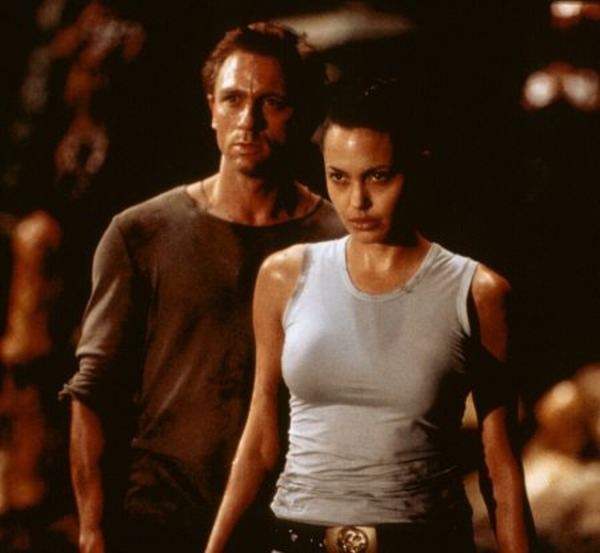 Angelina Jolie and Daniel Craig in Lara Croft: Tomb Raider