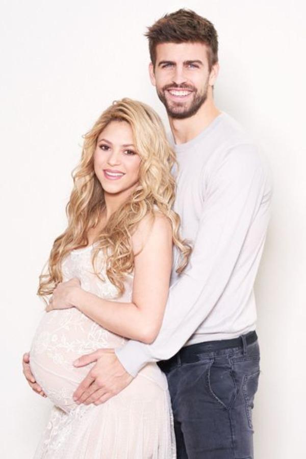 Gerard Piqué and pregnant Shakira