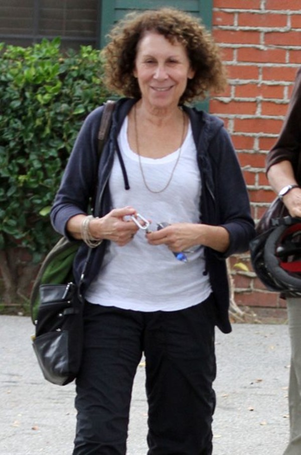 Rhea Perlman is single now